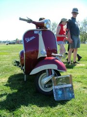 20th Garden City Scooter Rally - 2004 pictures from Scootrstu