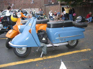 Amerivespa - 2005 pictures from PJ_and_Erik_from_Scooterworks