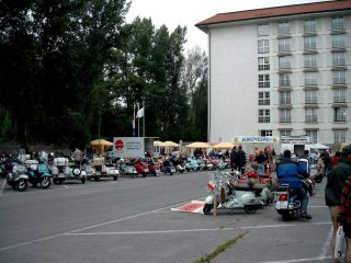 60 years of Vespa ride - 2006 pictures from Wien