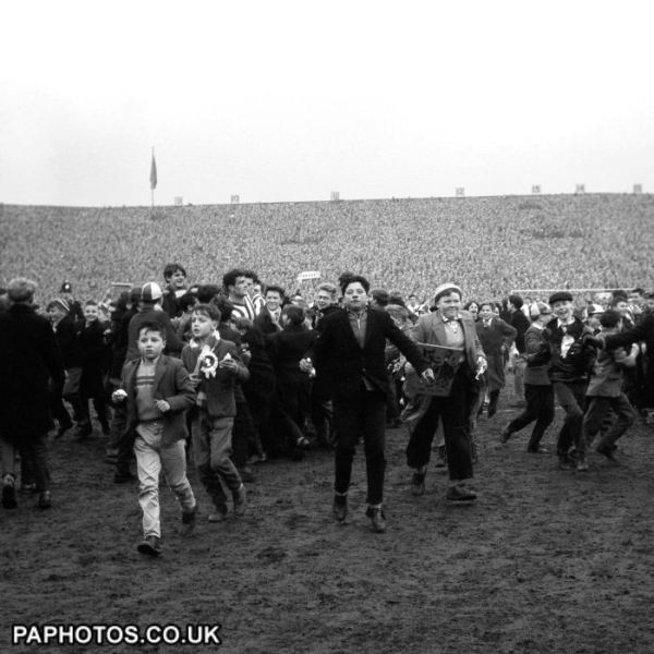 [Image: soccer-fa-cup-sixth-round-sunderland-v-t...r-park.jpg]