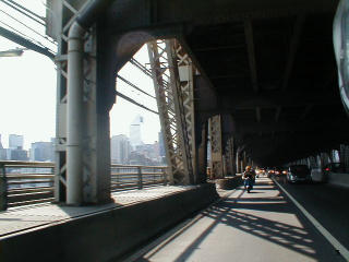 scoot.net: Manhattan Bridge Run 2002 pictures from David Schuttenberg